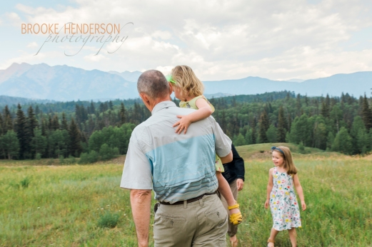 Beautiful Family photoshoot overlooking the Needles mountains, Durango, CO.